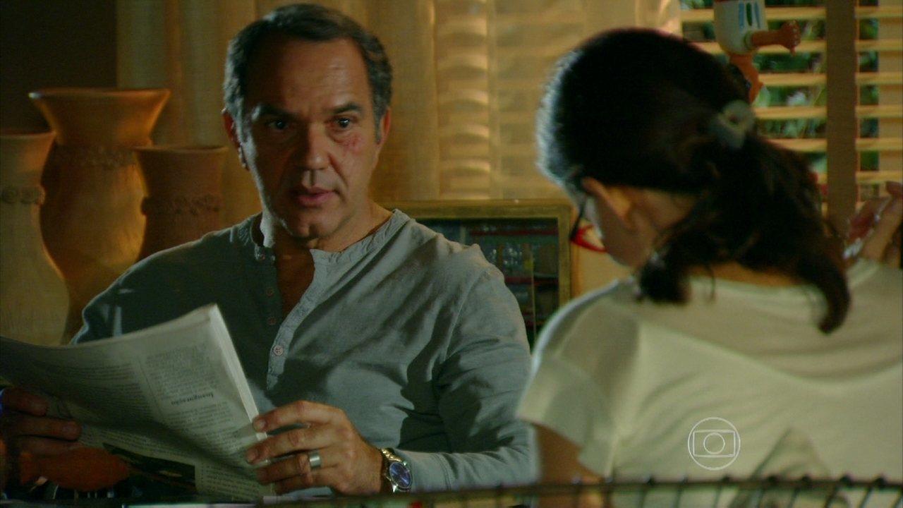 Em Família - Capítulo de quarta-feira, dia 12/02/2014, na íntegra - Virgílio fala para Helena que Laerte está em Goiânia