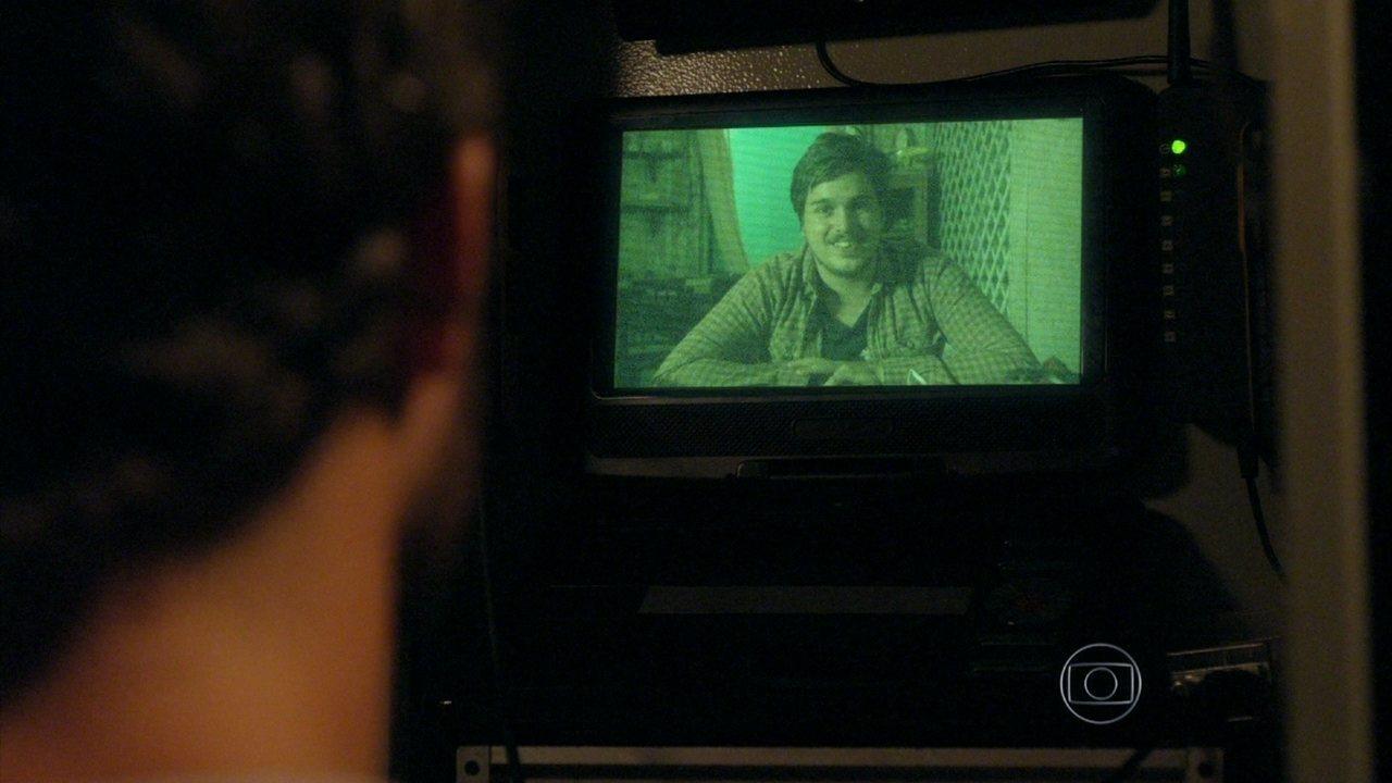 Além do Horizonte - capítulo de quarta-feira, dia 19/02/2014, na íntegra - Guto consegue rastrear a localização da Comunidade