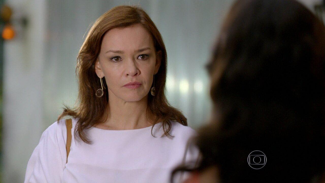 Em Família - Capítulo de terça-feira, dia 11/03/2014, na íntegra - Helena descobre que Laerte vai ficar no Rio