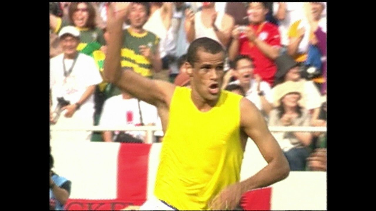 'É Gol' homenageia Rivaldo, que se aposentou aos 41 anos de idade