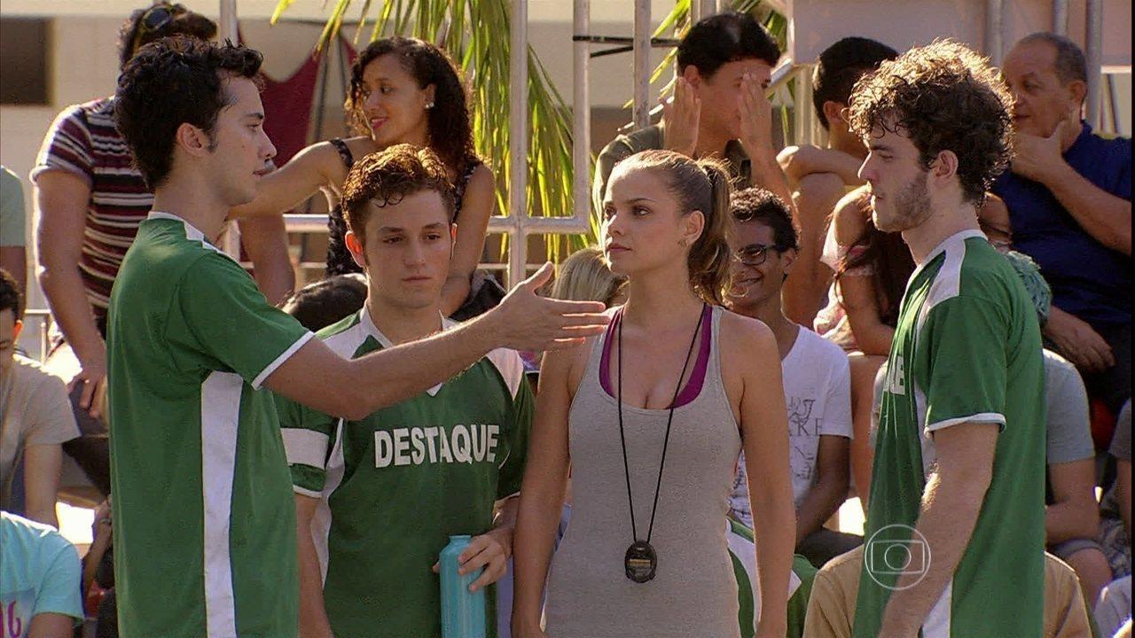 Malhação - Capítulo de quarta-feira, dia 02/04/2014, na íntegra - Bárbara e Serguei ajudam Ben e Sidney a reatarem sua amizade