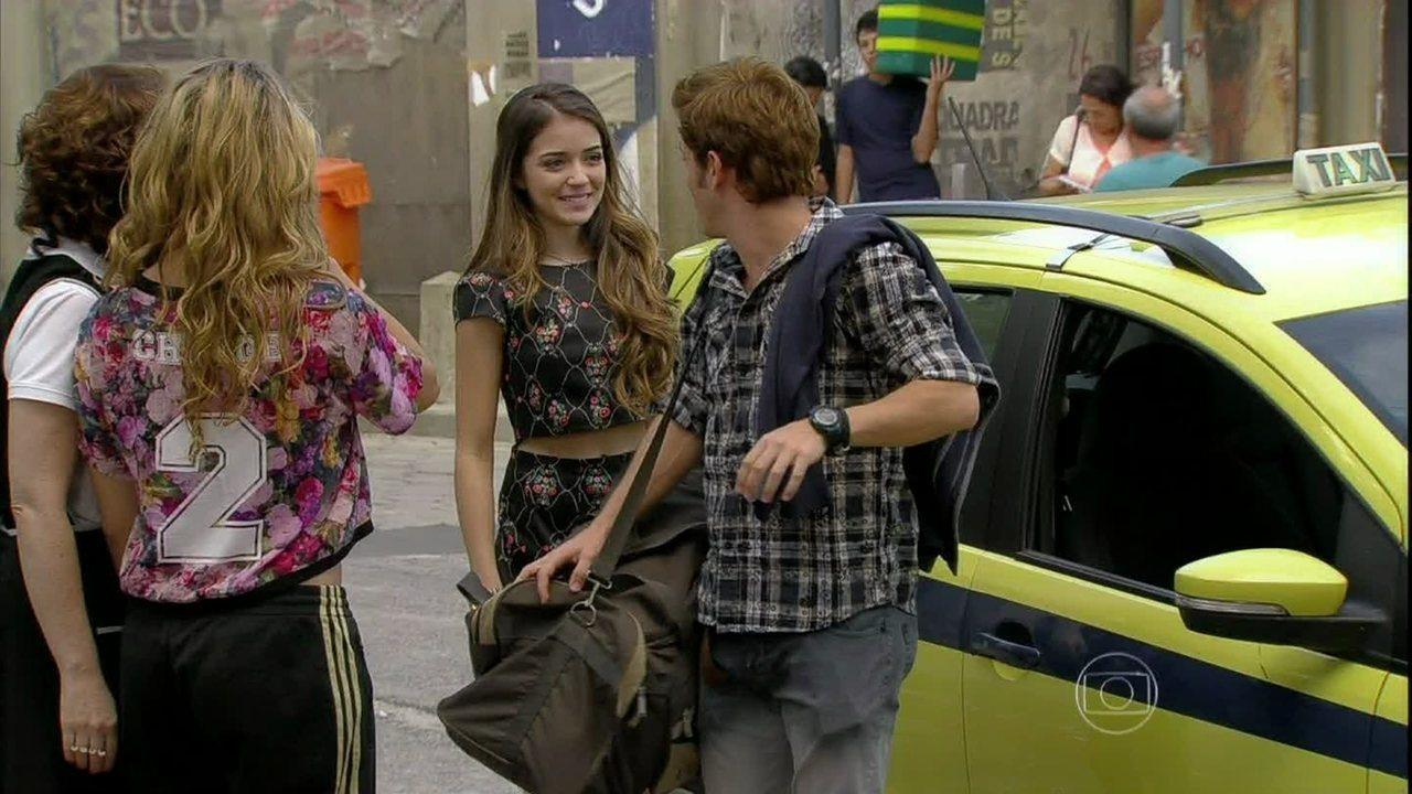 Malhação - Capítulo de quinta-feira, dia 08/05/2014, na íntegra - Flaviana faz surpresa e volta para o Brasil