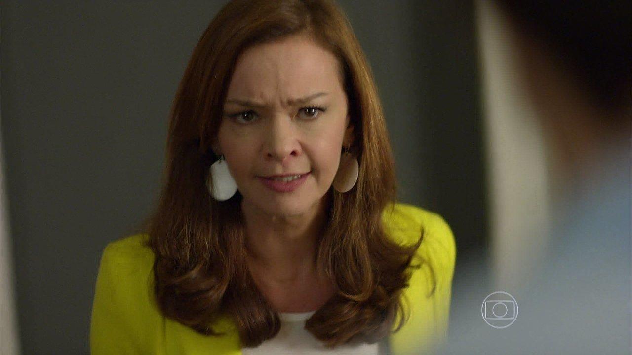 Em Família - Capítulo de terça-feira, dia 27/05/2014, na íntegra - Helena enfrenta Laerte e Luiza