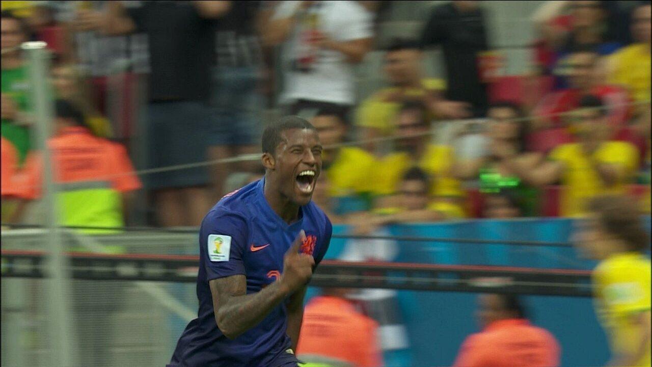 Gol da Holanda! Wijnaldum recebe com espaço, e marca o terceiro aos 45 do 2º tempo
