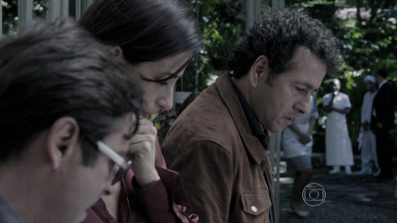 Capítulo de 19/08/2014 - Pedroso encontra um novo corpo na mansão
