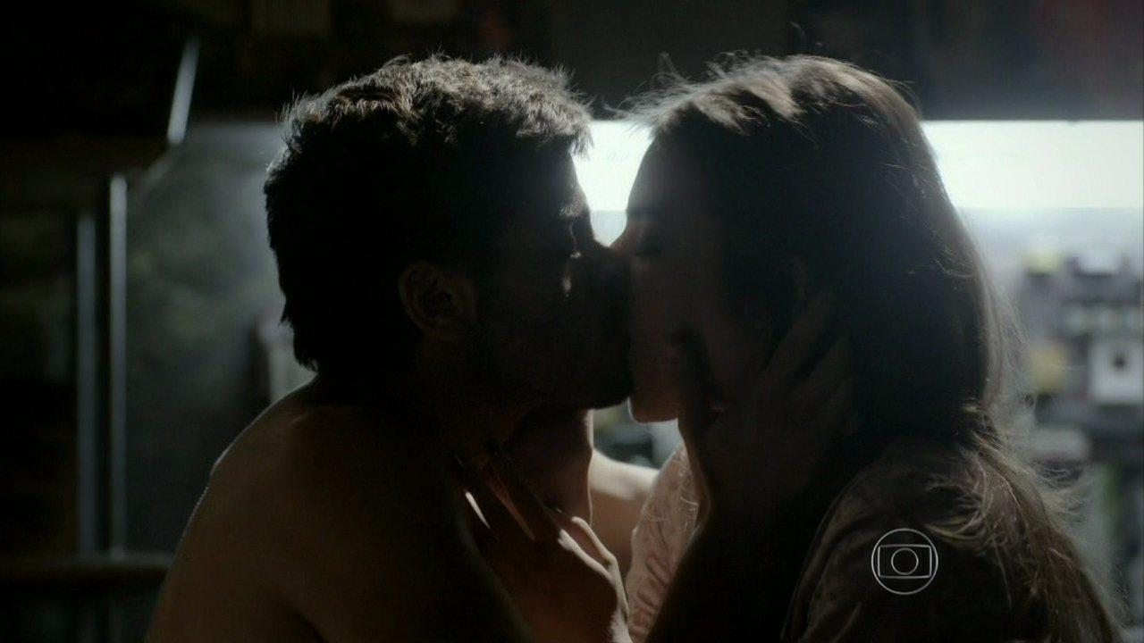 Malhação - capítulo de terça-feira, dia 09/09/2014, na íntegra - Jade e Cobra se beijam