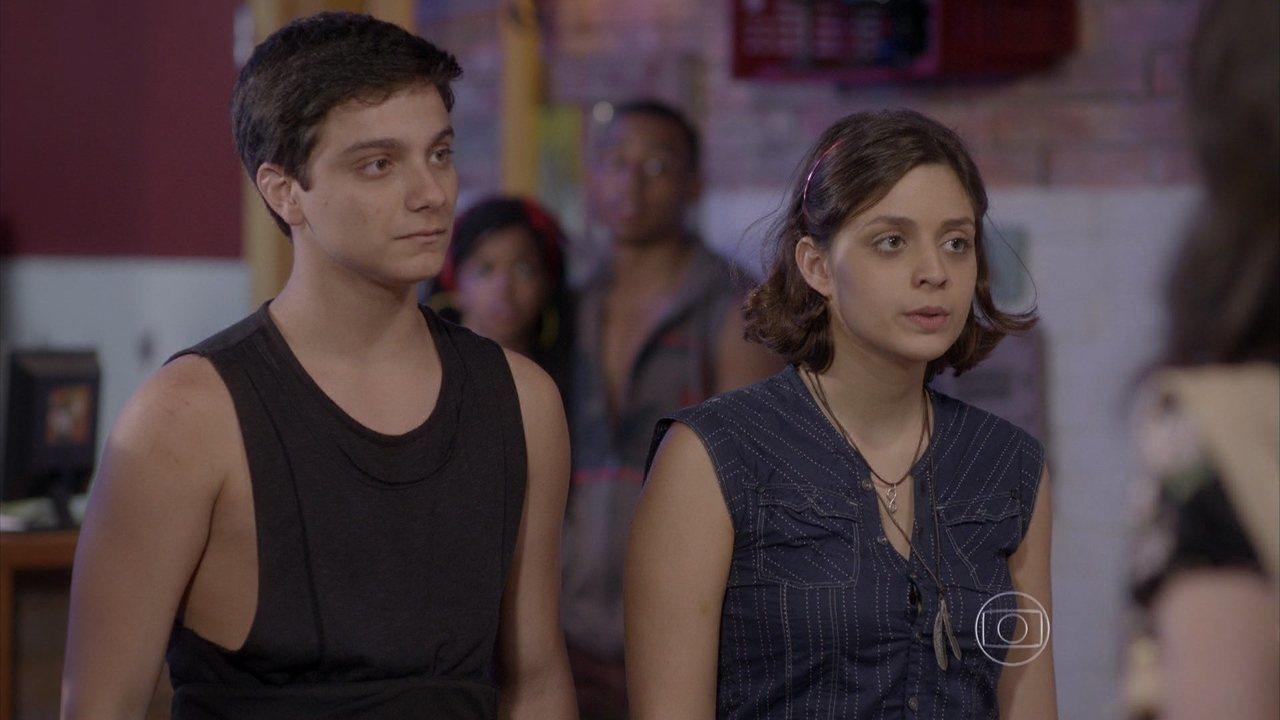 Malhação - capítulo de segunda-feira, dia 06/10/2014, na íntegra - Mari afirma para todos que Jeff é o pai do filho que ela está esperando