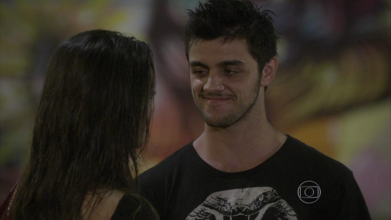 Malhação - capítulo de terça-feira, dia 11/11/2014, na íntegra - Cobra assume que gosta de Jade