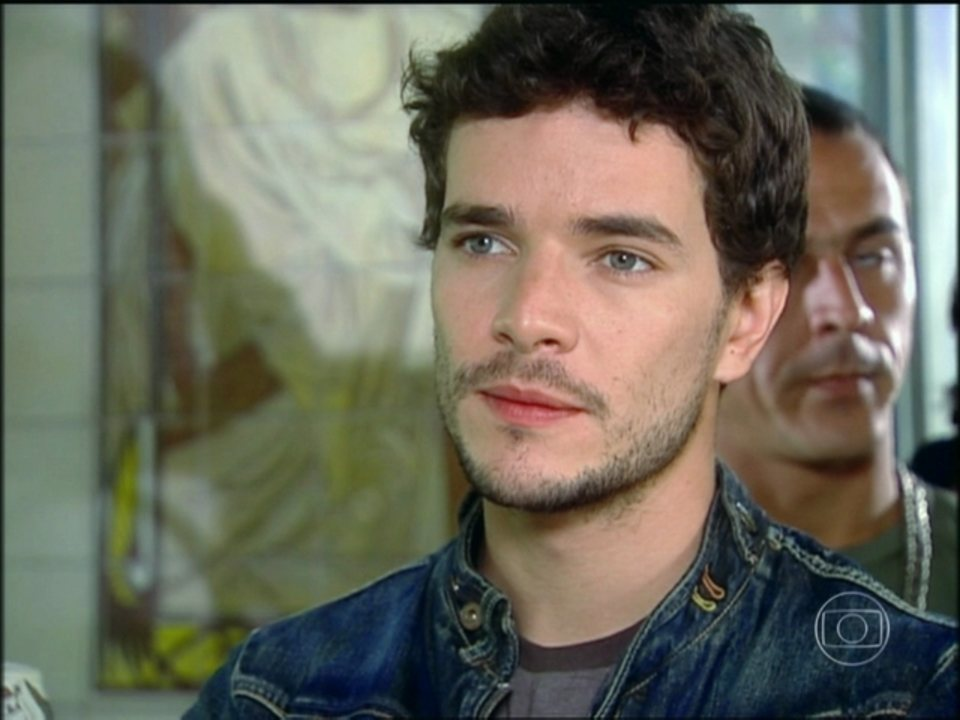Cobras e Lagartos - capítulo de sexta-feira, dia 28/11/2014, na íntegra - Duda conta para Bel que Estevão nunca esteve doente e o desmascara