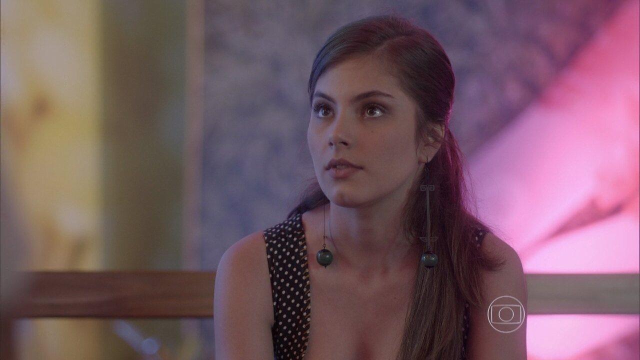 Malhação - capítulo de quinta-feira, dia 18/12/2014, na íntegra - Bianca encontra Henrique