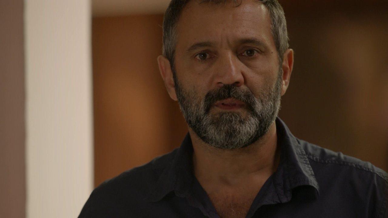 Sete Vidas - Capítulo de quinta-feira, dia 23/04/2015, na íntegra - Bernardo vê Miguel no hospital e se surpreende