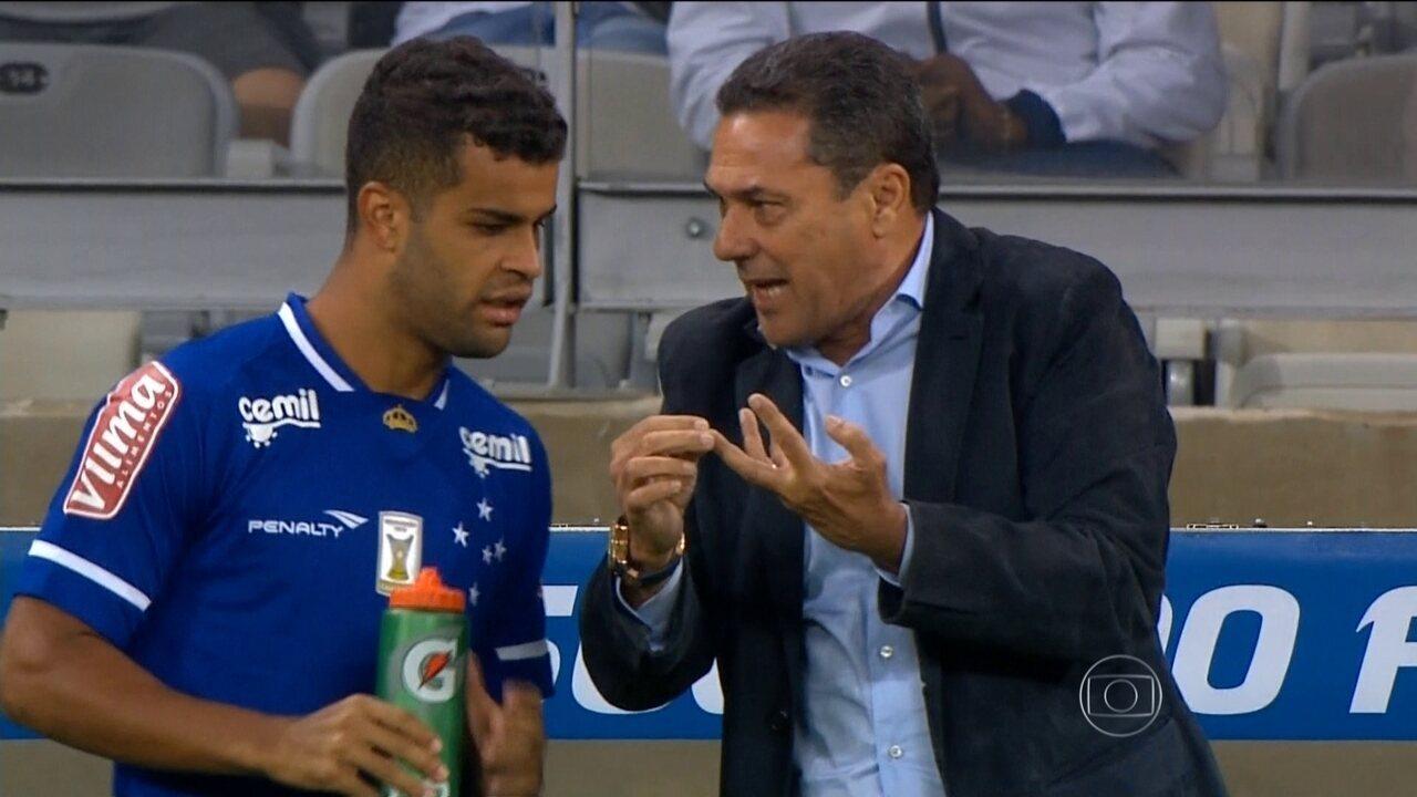 Vanderlei Luxemburgo estreia como técnico do Cruzeiro no Brasileirão