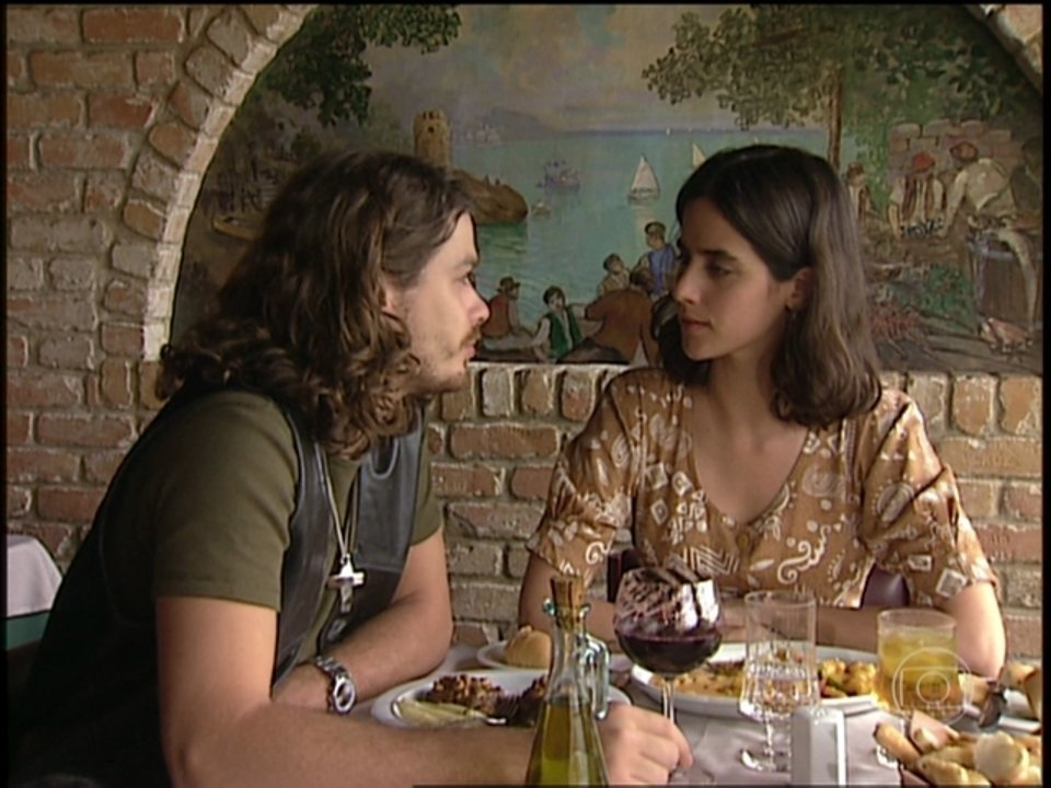O Rei do Gado - capítulo de quinta-feira, dia 11/06/15, na íntegra - Marcos conta para Liliana que ele pode ser acusado de assassinato