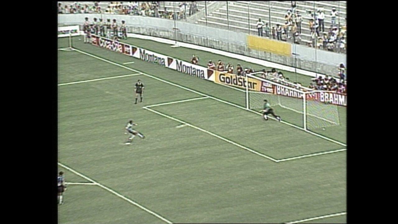 Em 1993, Argentina vence o Brasil nos pênaltis na Copa América