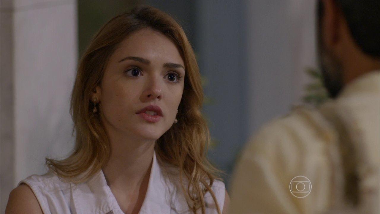 Sete Vidas - Capítulo de segunda-feira, dia 29/06/2015, na íntegra - Júlia é surpreendida com a presença de Miguel ao chegar em casa