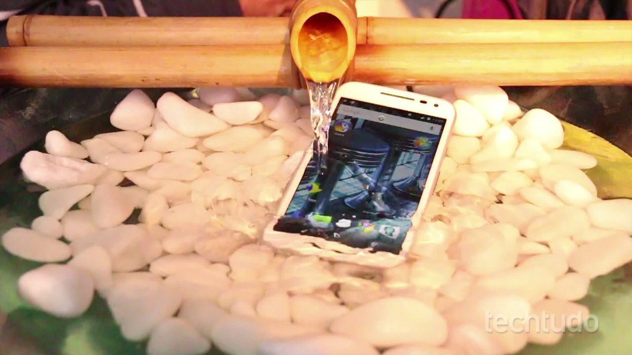 Testamos o Moto G 3 à prova d'água