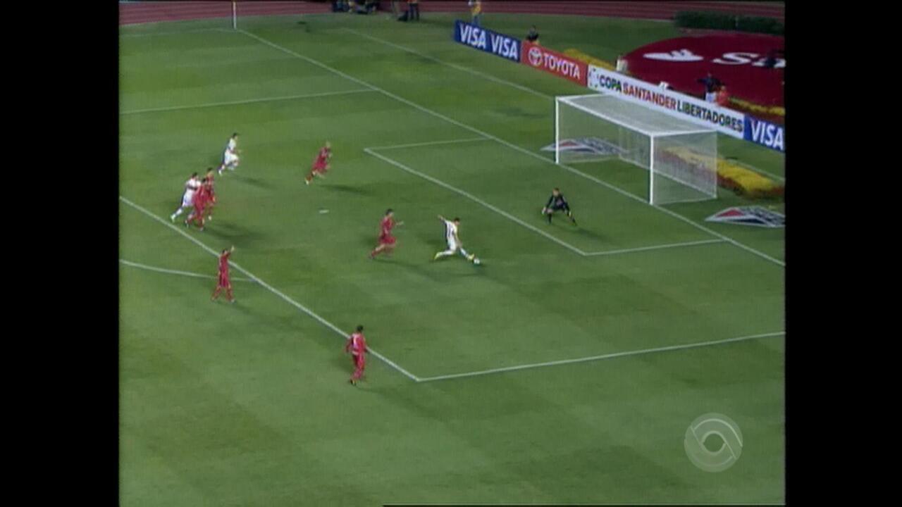 Relembre o jogo entre Inter e São Paulo pela Libertadores de 2010