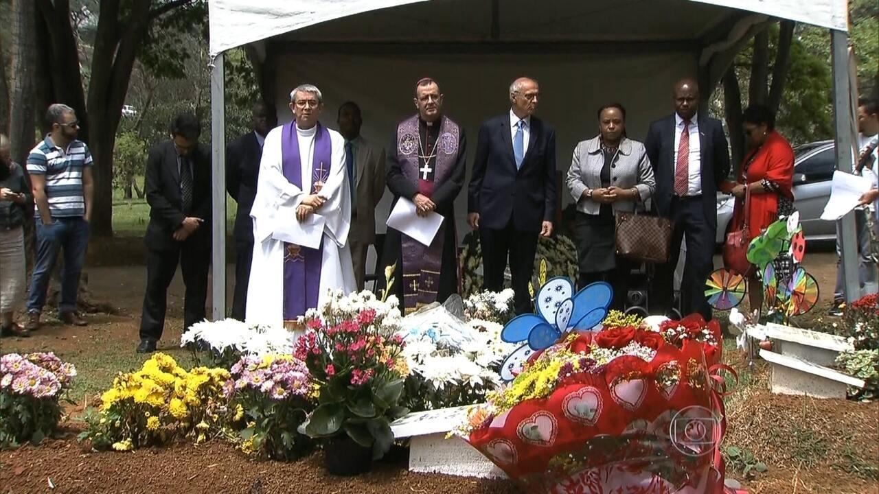 Arquidiocese de SP faz missa em homenagem ao menino Ezra