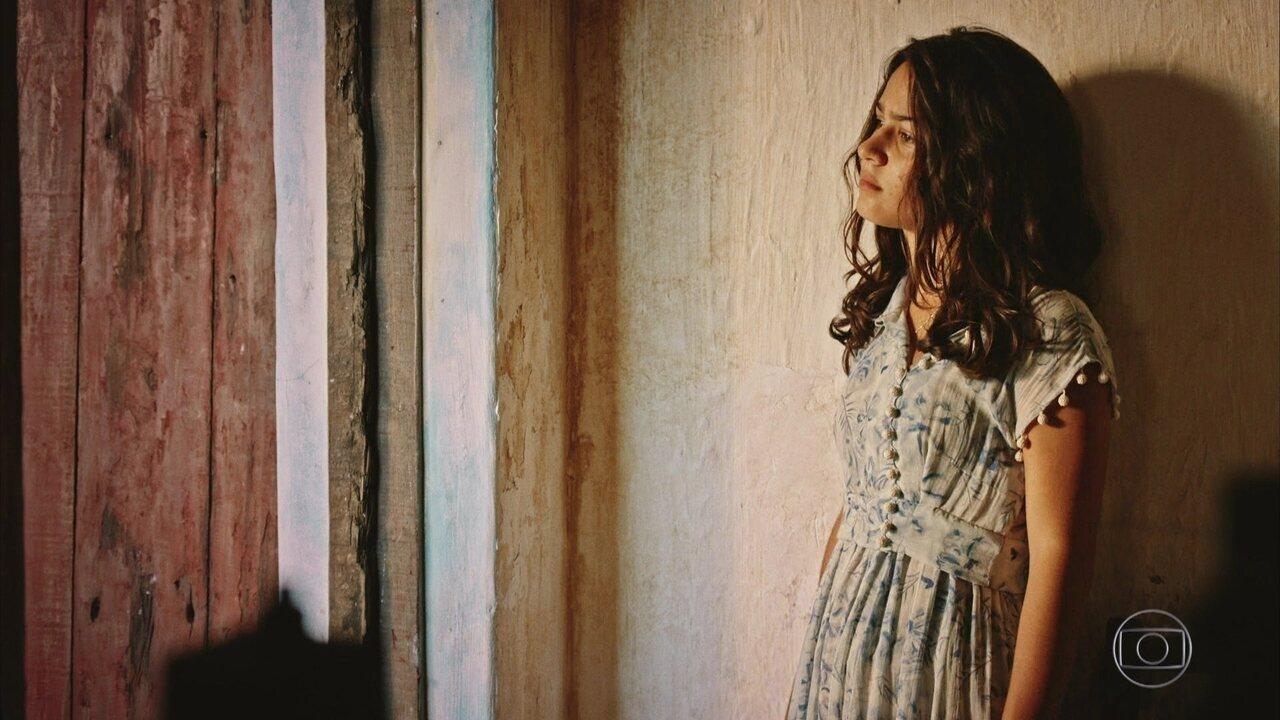 Velho Chico - Capítulo de sexta-feira, dia 15/04/2016, na íntegra - Piedade pede que Olívia não se afaste de Santo