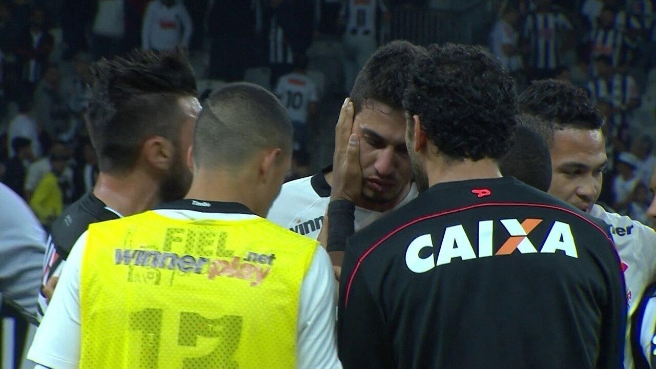 Pedro Henrique sai chorando após erro de recuo para Cássio