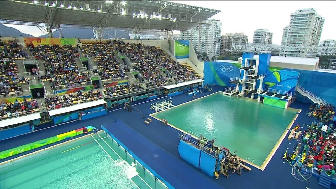 Jornal nacional gua de piscina do centro maria lenk continua verde globo play - Agua de piscina verde ...
