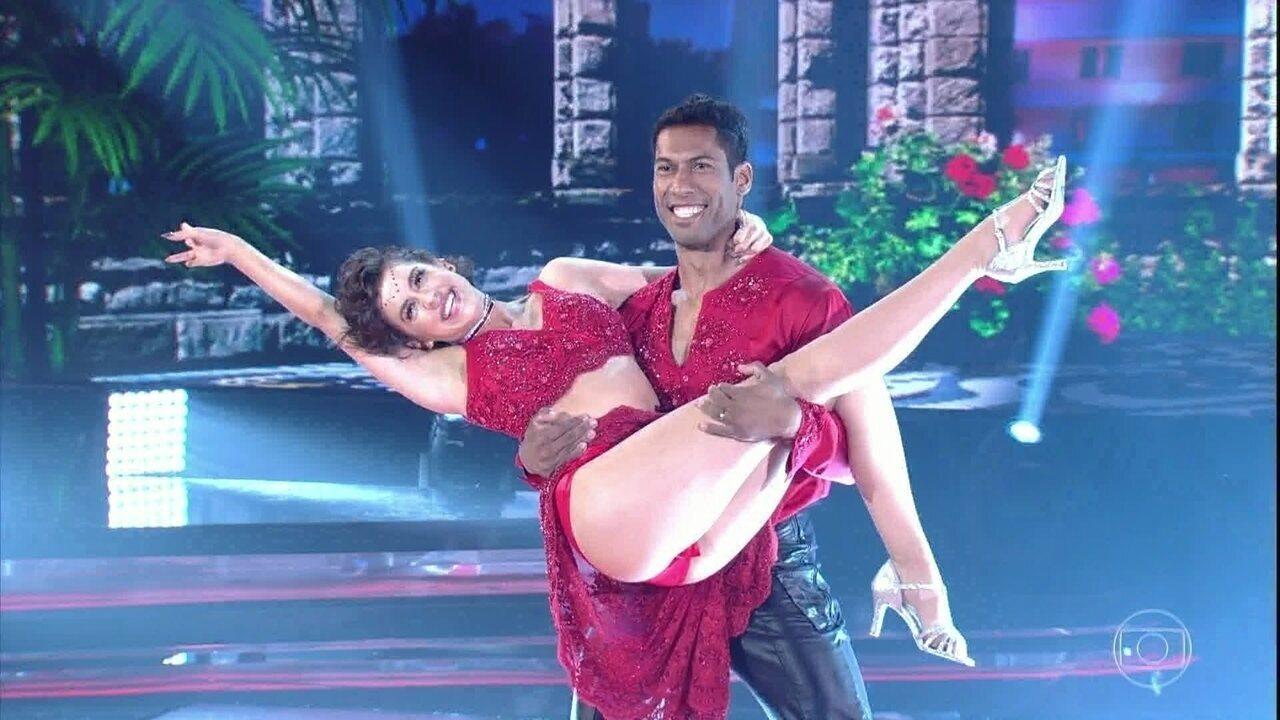 Sophia Abrahão mostra lado mulherão na apresentação de salsa no 'Dança dos Famosos'