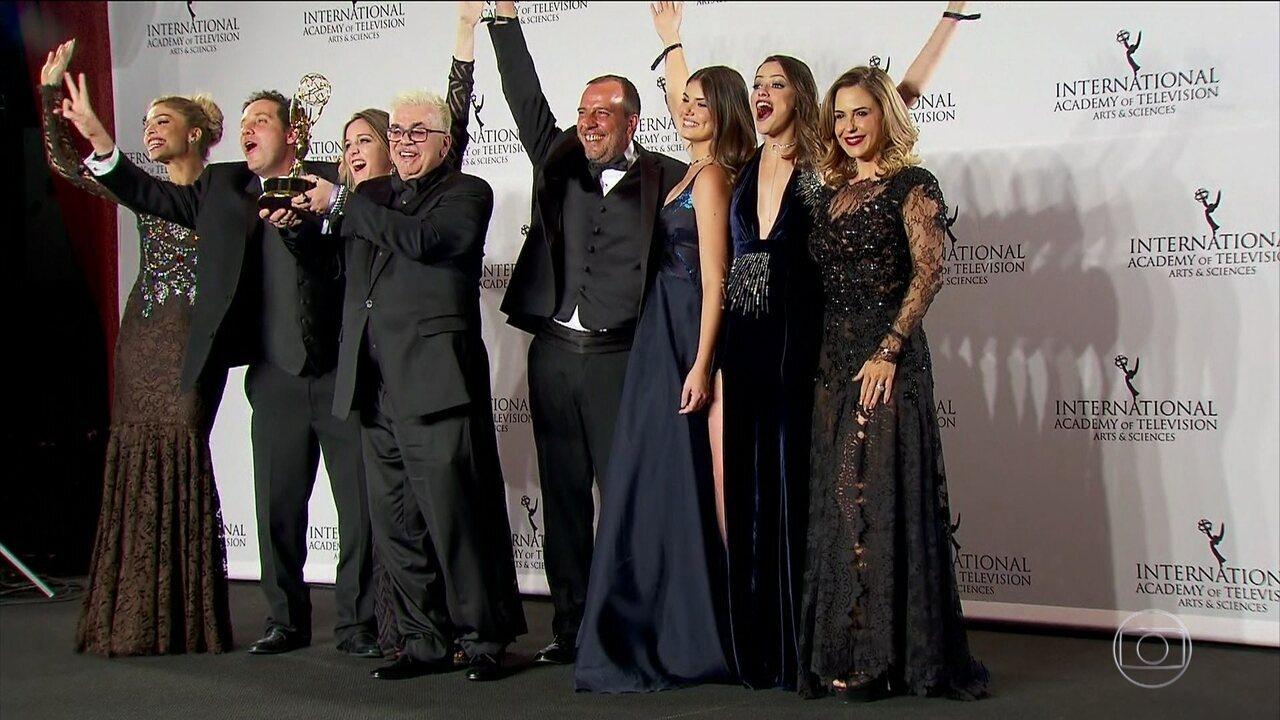 Verdades Secretas ganha Emmy na categoria novela