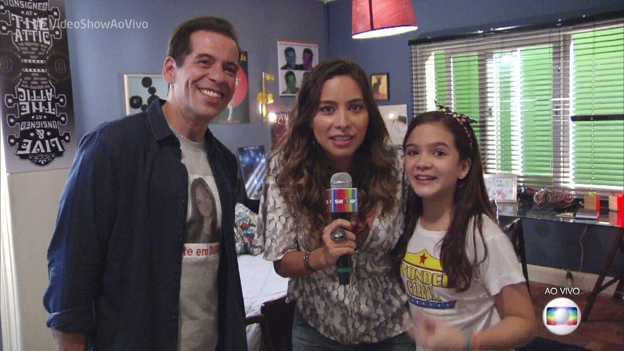 Ao vivo, Marcela Monteiro invade gravação da nova série de Leandro Hassum