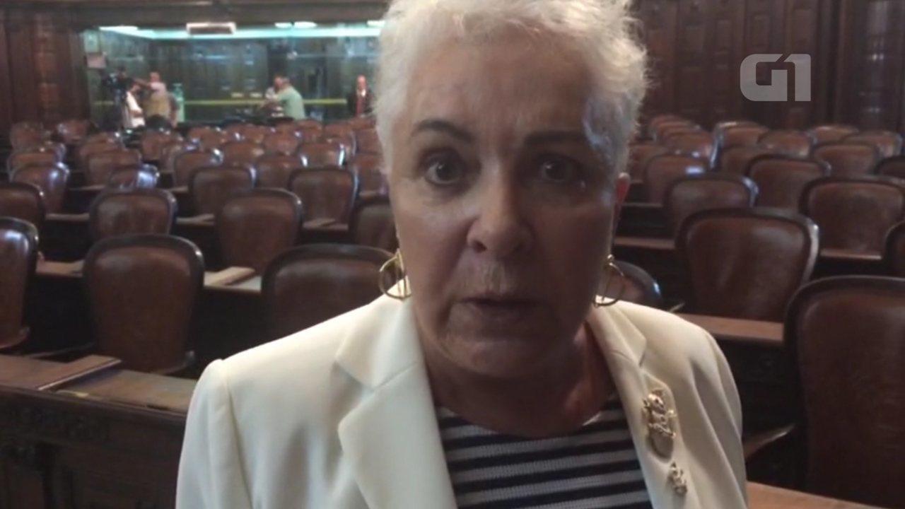Deputada Cidinha Campos é hostilizada por manifestantes em ...
