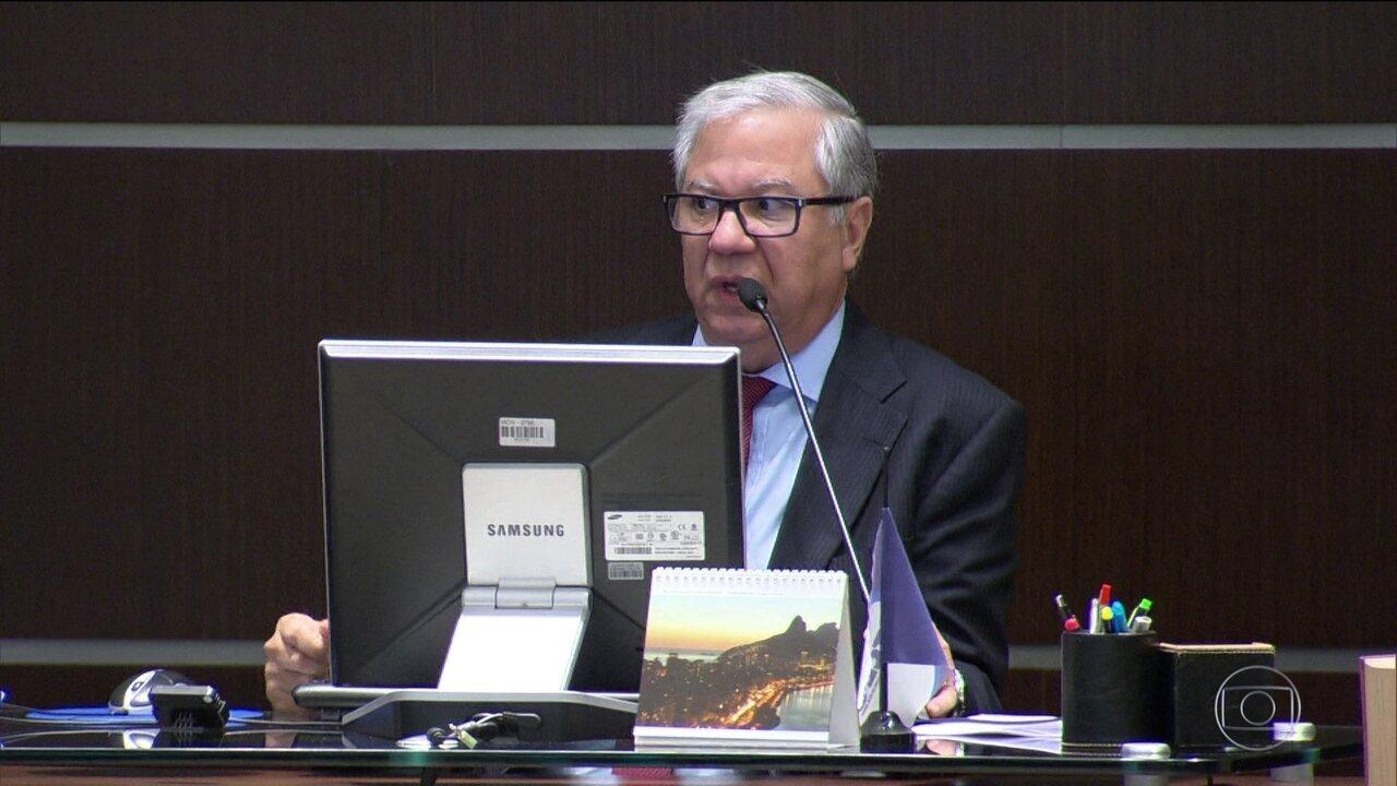 Presidente do Tribunal de Contas do RJ é alvo de condução coercitiva