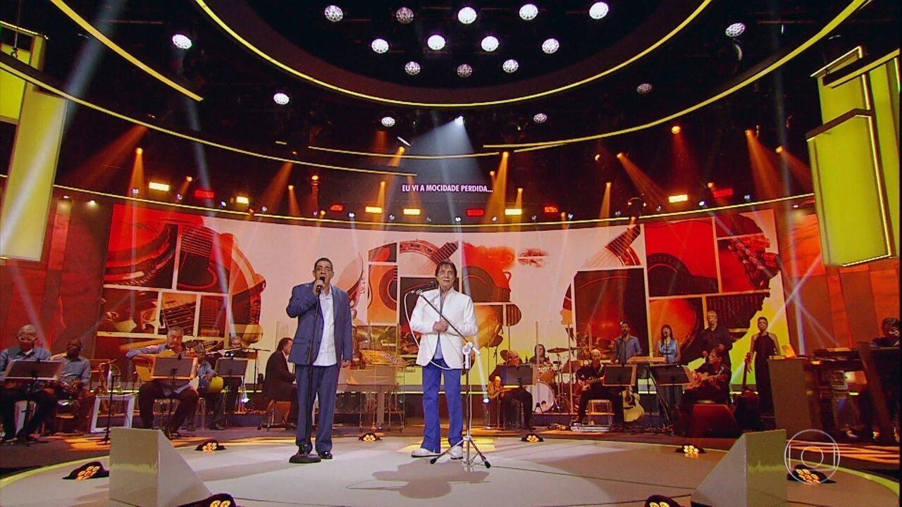 Roberto Carlos canta um medley com Zeca Pagodinho