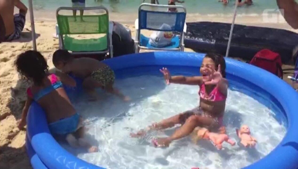 Banhistas enchem piscina de quase 500 litros na beira do for Piscina 500 litros