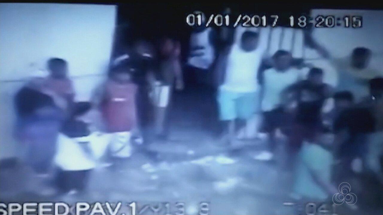 Vídeo mostra movimentação de presos dentro do Compaj no dia da rebelião de 2017, em Manaus
