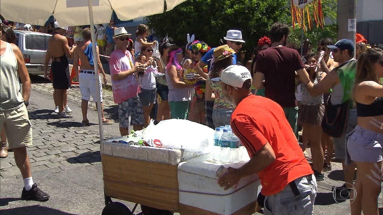 Prefeitura de BH abre inscrição para ambulantes que querem trabalhar no carnaval