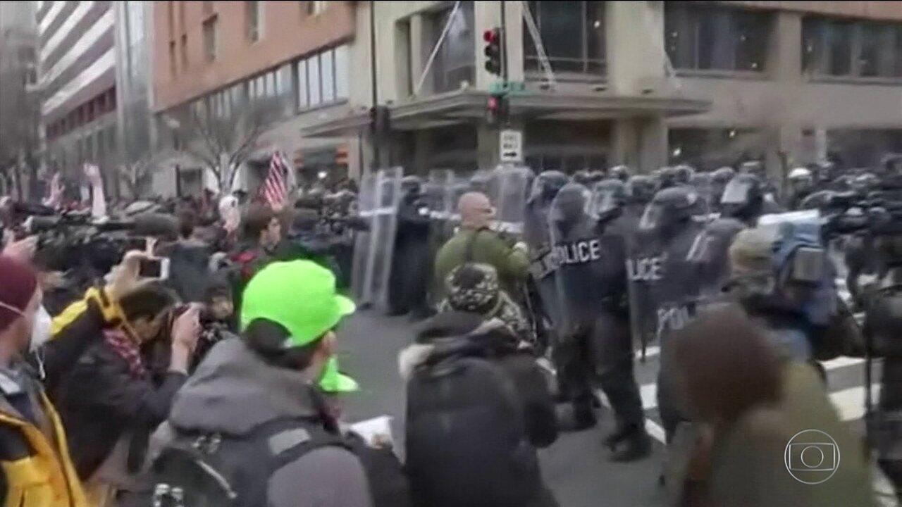 Quase 100 pessoas são presas em protestos na posse de Trump