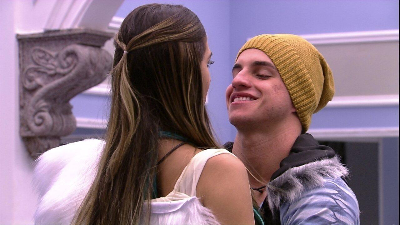 Manoel elogia Vivian: 'Que princesa'
