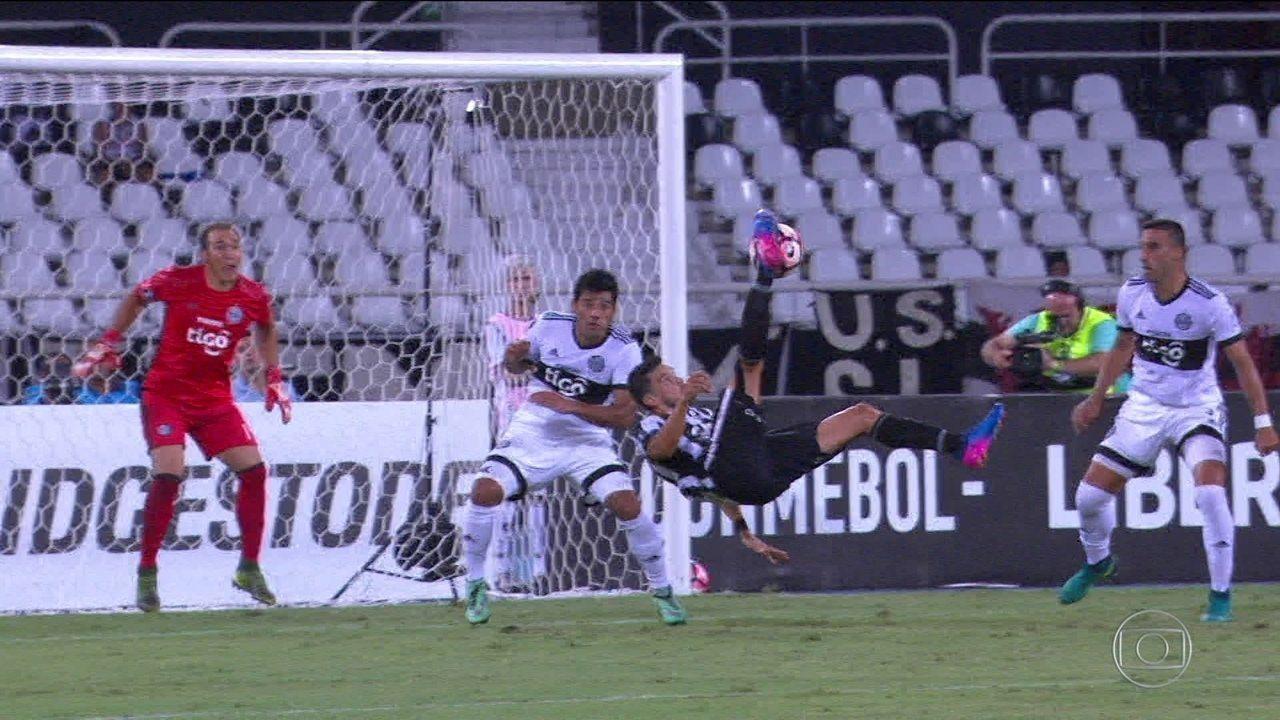 Pimpão revela que não viu gol de bicicleta contra Olímpia e comemora boa fase no Botafogo