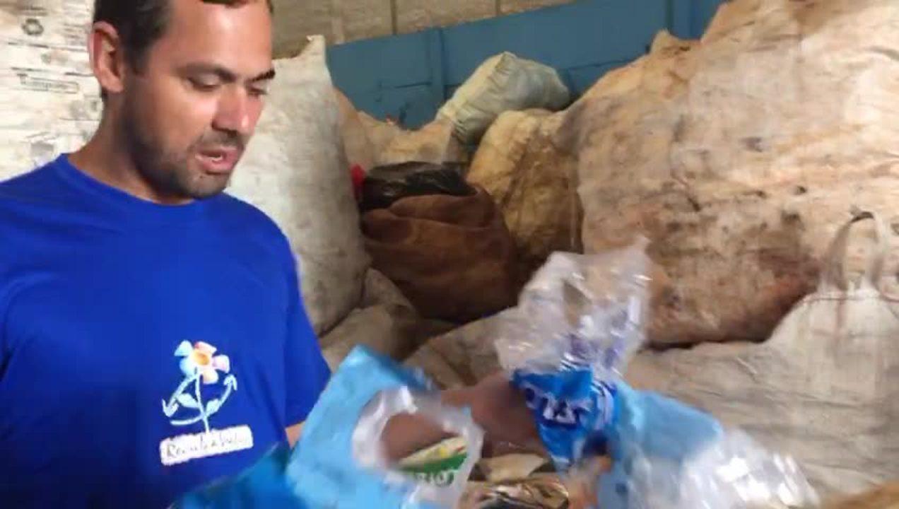 Latas recolhidas em blocos de rua do DF vão para cooperativa de catadores