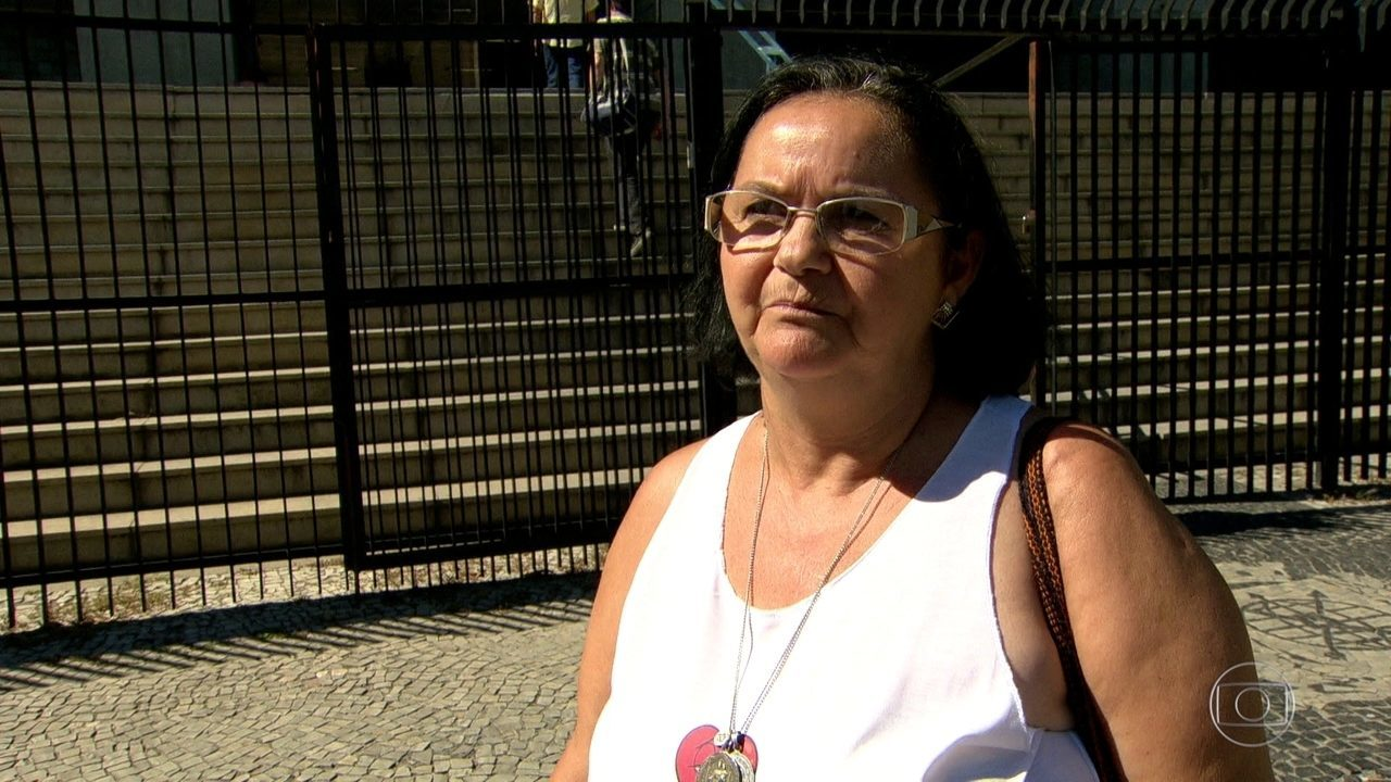 Servidores da prefeitura do Rio reclamam que não estão recebendo benefícios