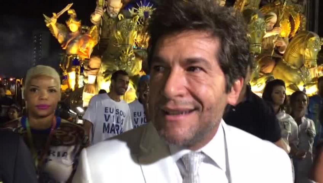 Cantor Daniel chega para desfile da Unidos de Vila Maria