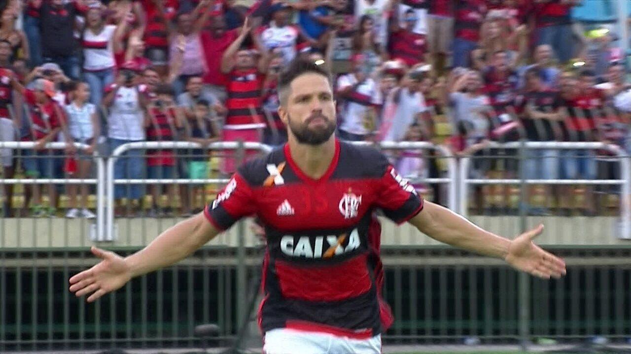 Gol do Flamengo! Diego abre o placar em cobrança de pênalti aos 40 do 1º tempo
