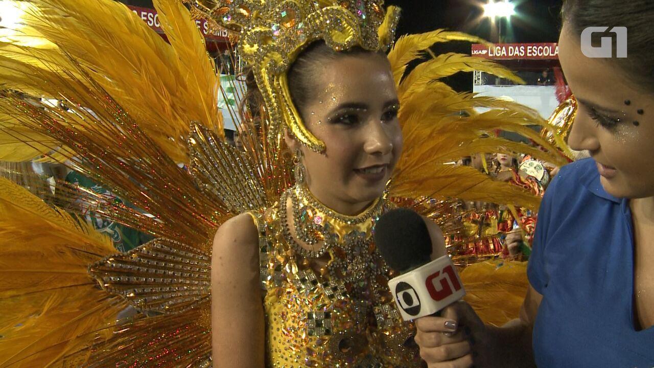 Rainha mirim da Mancha Verde diz que se inspira em Vivi Araújo