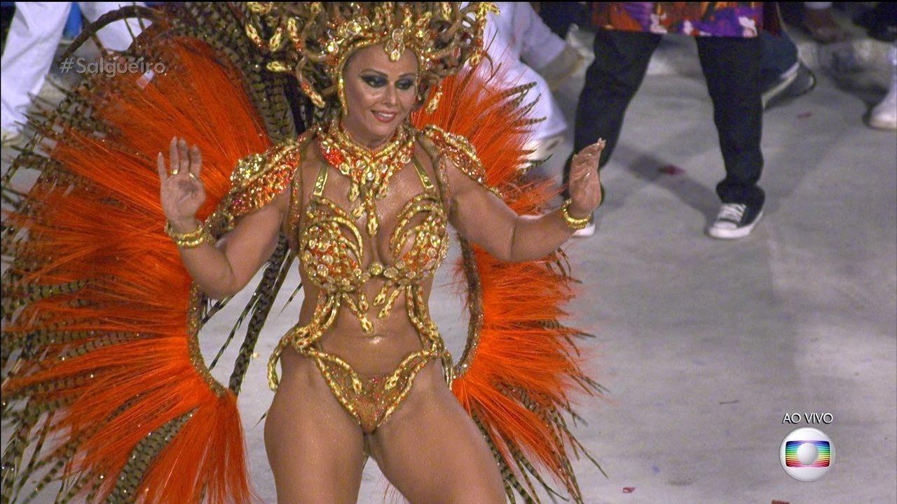 Viviane Araújo é a rainha de bateria do Salgueiro