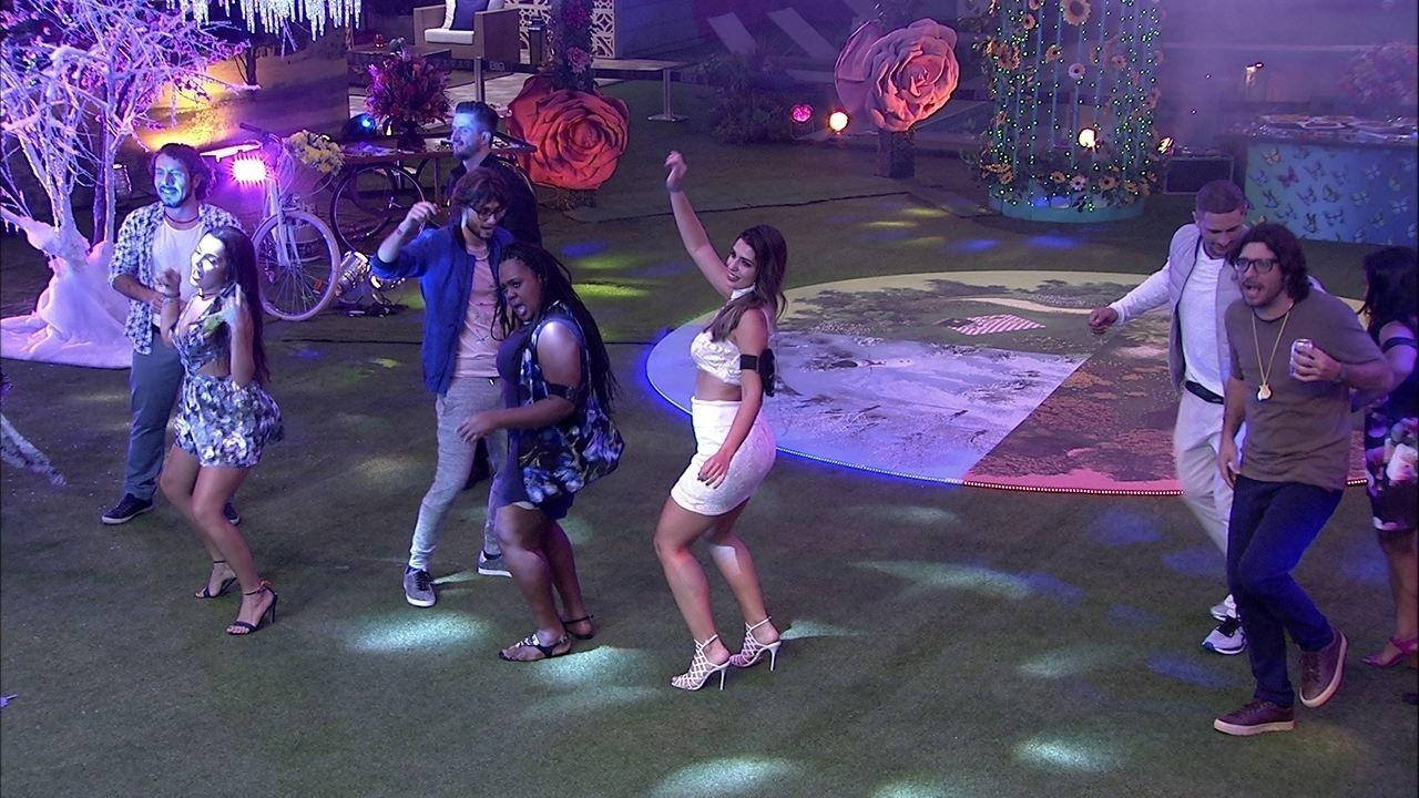 Simone e Simaria enlouquecem brothers com o hit 'Loka'