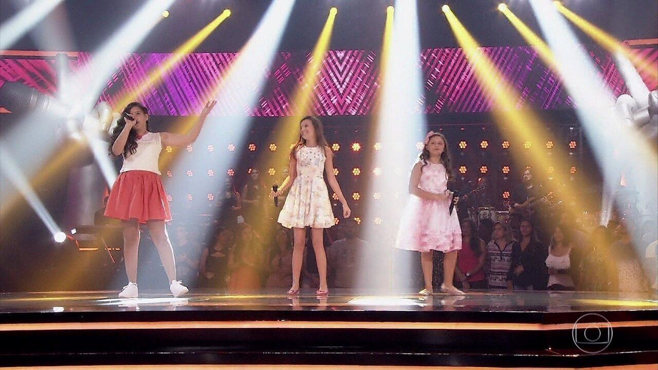 Duda Bonini, Isabela Bednarski e Sofia Nunes cantam 'Meteoro'