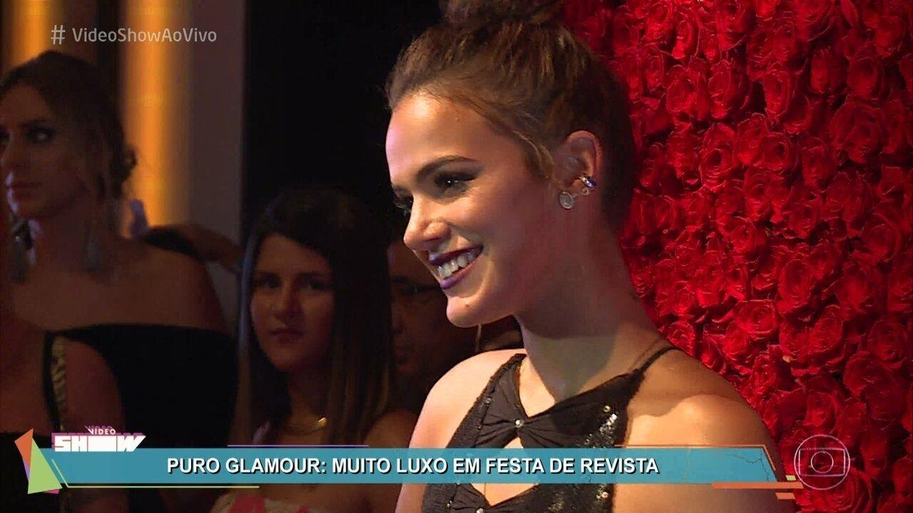 Celebridades se reúnem em festa de gala em São Paulo