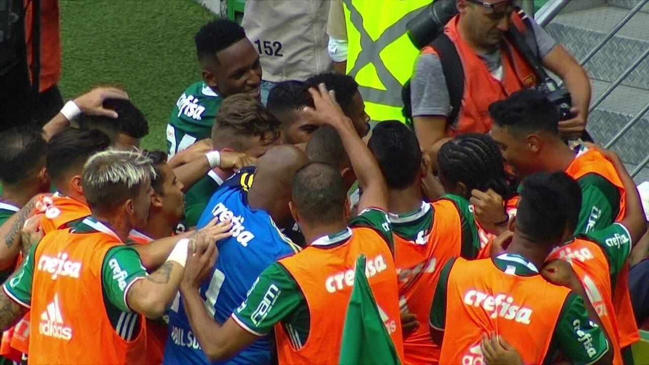 Gol do Palmeiras! Tchê Tchê recebe livre e acerta belo chute, aos 10' do 2º