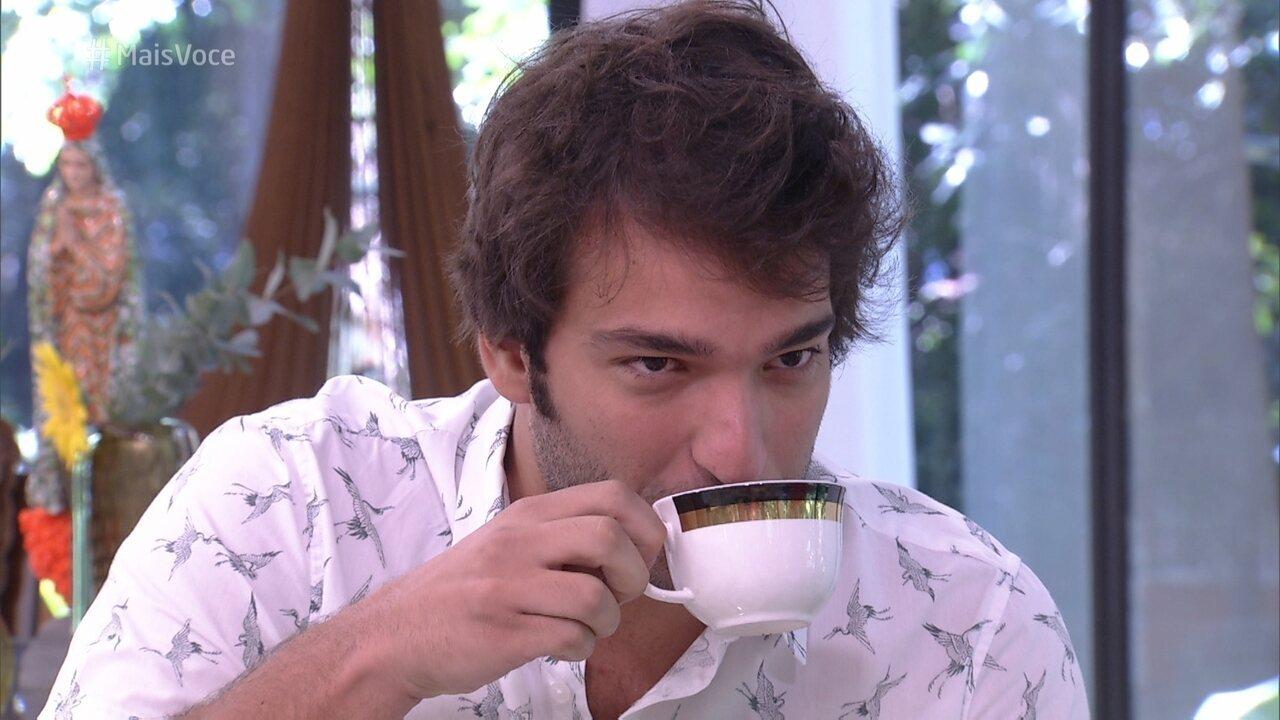 Humberto Carrão relembra primeiro trabalho na TV em 2003