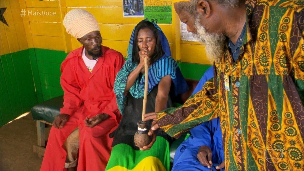 Glória Maria fala sobre o ritual da ganja na Jamaica