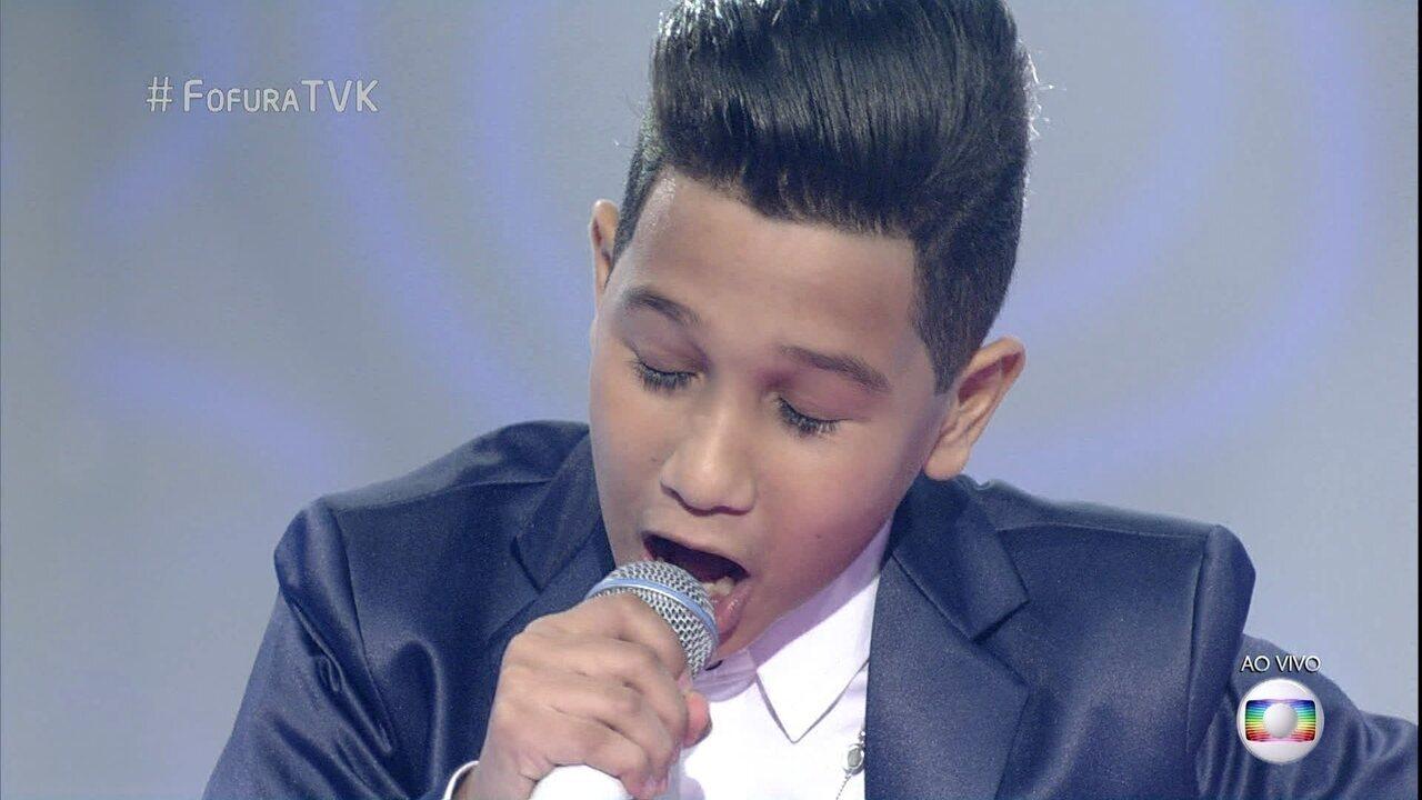 Kaio Fernades canta 'O Portão'